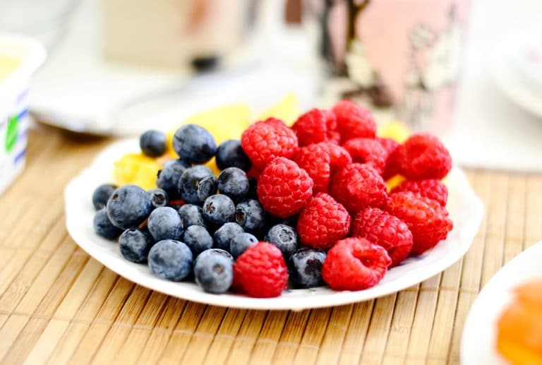 Vitamins and minerals for healthy teeth are plentiful in fresh berries. Photo credit: Cecilia Par on Unsplash